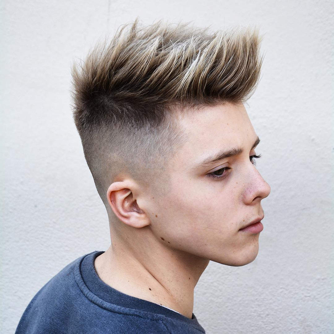 Latest Men\'s Hairstyles 2018 - Mens Hairstyle Swag