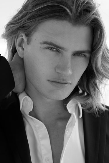 charlie kennedy the gentleman cool long hairstyle for men