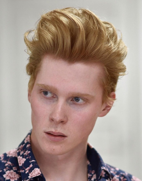messy hairstyles for men blonde hair pomp style